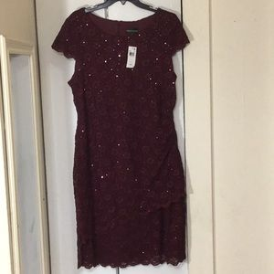 👗Sequence burgundy dress w lace!👗